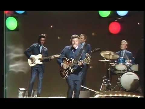 Johnny Cash Show: Carl Perkins - Blue Suede Shoes (HQ)