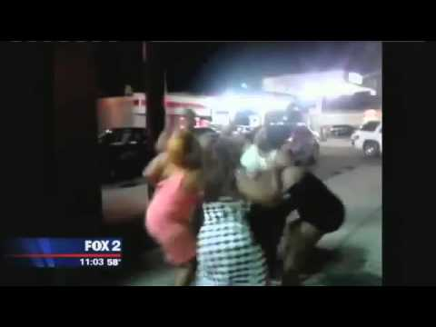 Crazy hood fight ratchet hoes tear each others clothes off youtube
