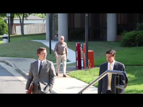 Gov. Robert Bentley and others arrive for Hubbard Trial