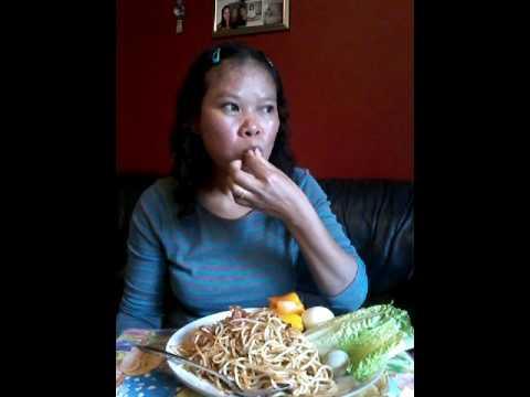 เมียฝรั่งชวนเพือนๆมากินตำมั่วซั่วเส้นสปาเก็ตตี้อ้วนๆนำกันเด้อจร้า แซ่บbyครัวบ้านๆ