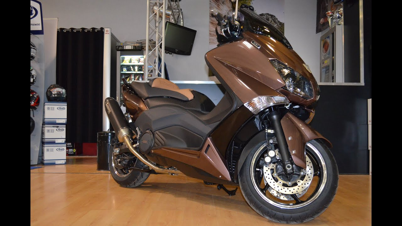 yamaha tmax 530 with akrapovic azuma v2 youtube. Black Bedroom Furniture Sets. Home Design Ideas