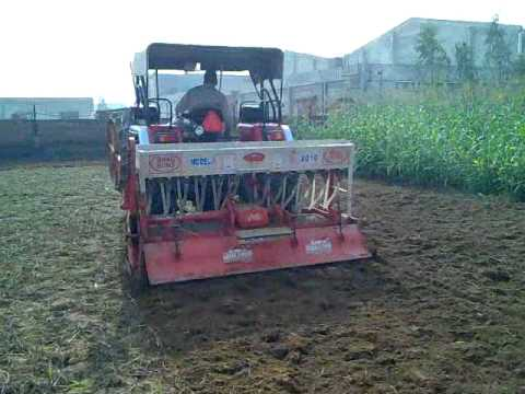 Mahindra Arjun 605 Tractor Stunt With Rotavator 8 Foot video