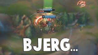 Bjergsen With Crazy 2 People Outplay in Competitive Play... | Funny LoL Series #521
