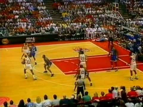 Clyde Drexler (25pts/13rebs/7asts) vs. Magic ('95 Finals, Game 3)