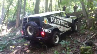 Hummer H2, Jeep Rubicon, Toyota Land Cruiser and Nissan Patrol GR offroading