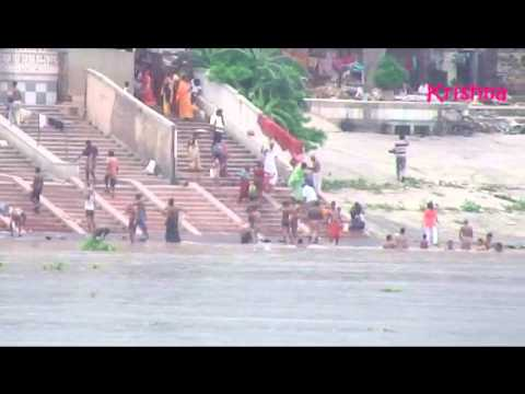 Bathing In Ganga video