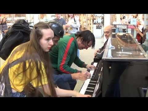 Download Teenage Girl Rocks The Public Piano. Dudes Gather To Watch Mp4 baru