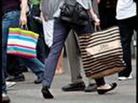 Retail Sales in U.S. Fall as Consumers Boost Savings: Video