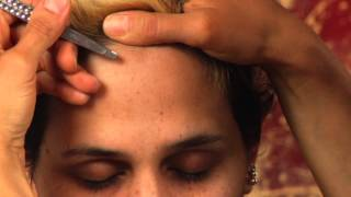 How to Pluck Your Widow's Peak : Beauty Vice