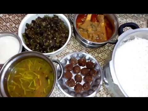 Sunday Lunch specials Episode 6|Mutton Ezhumbu Kuzhambu|Kola Urundai|Ratham Poriyal