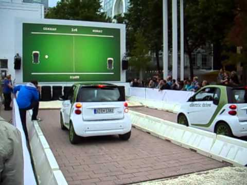 IAA 2011: Smart eball game (Smart electric drive)