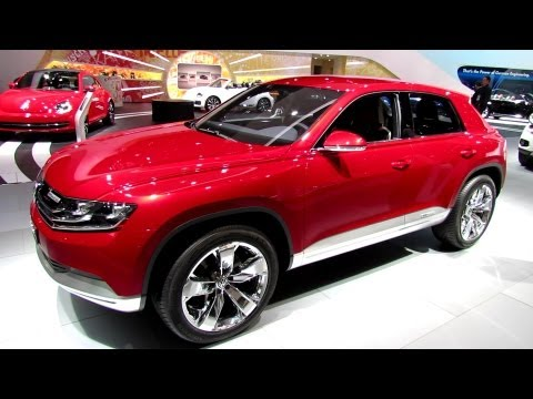 2014 Volkswagen Cross Coupe Plug-in Hybrid HDI - Walkaround - 2013 Detroit Auto Show