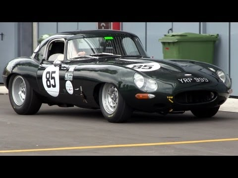 Jaguar E-Type Race Car LOUD SOUND.
