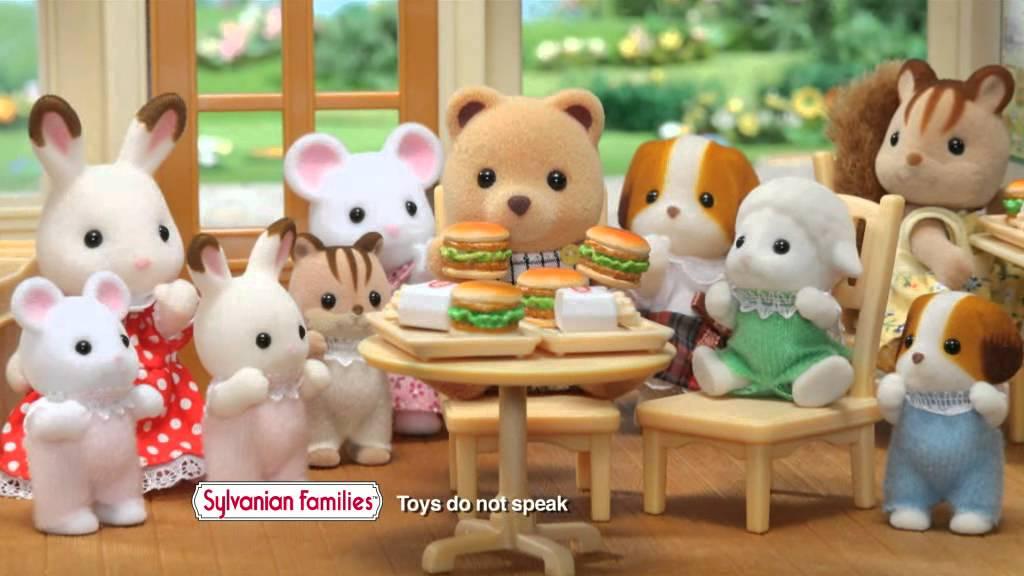 Sylvanian families hamburger restaurant sf4607 youtube for Sylvanian families cuisine