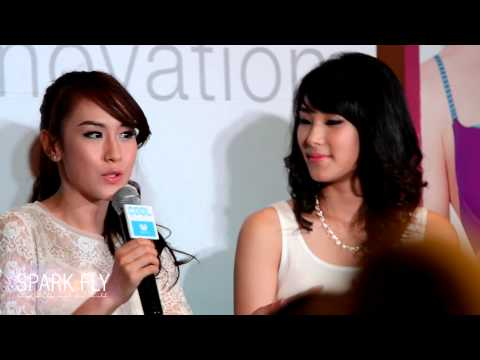[130326] Wacoal Cool@Silom Complex – Interview กอล์ฟฐา (HD)