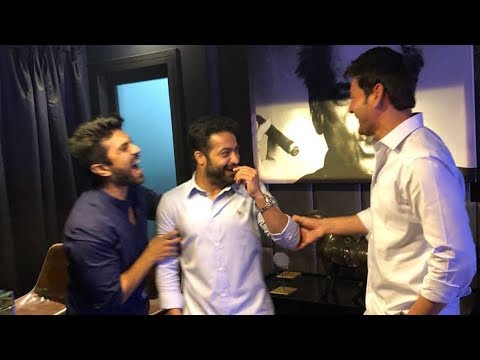 Jr NTR Birthday Celebrations with Super Star Mahesh Babu & Ram Charan | Filmylooks