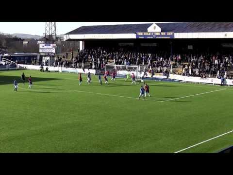 Queens ease past bottom club Cowdenbeath