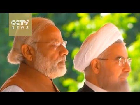 India PM in Tehran to improve ties