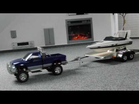 RC Ford F350 with selfmade trailer and rc-boat