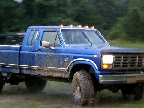 ford truck muddin Video