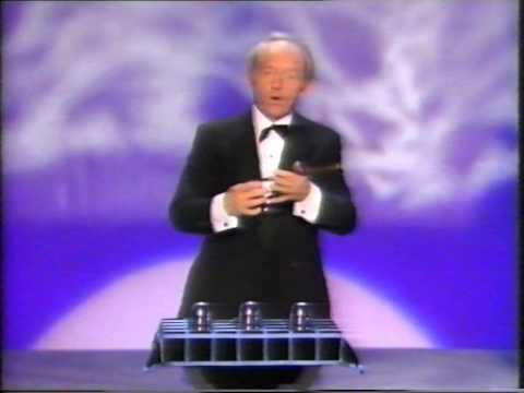 PAUL DANIELS MAGIC SHOW -  CUPS AND BALLS