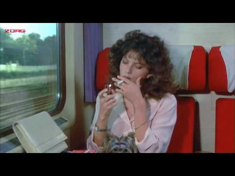 Clio Goldsmith smoking in Le cadeau