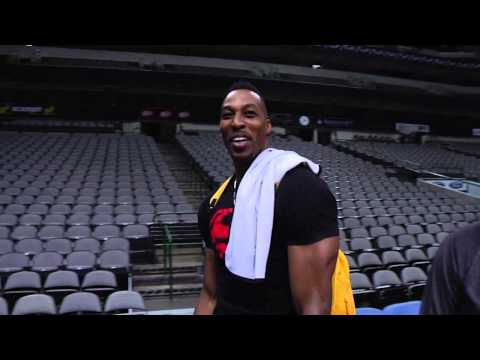 Dwight Howard Hits Full Court Shot with Ease