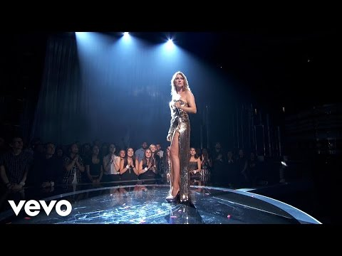 Céline Dion - The Show Must Go On (Live on Billboard Music Awards 2016)