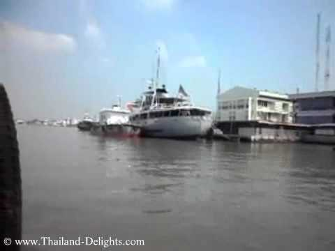 Samut Prakan Pier, Ferry to Phra Pradaeng, across the Chao Phraya River, Thailand.