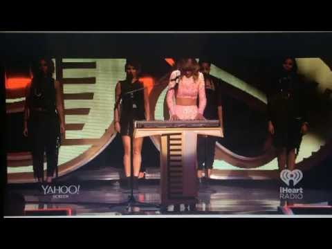 Taylor Swift 2014 iHeartRadio Music Festival - Love Story -...
