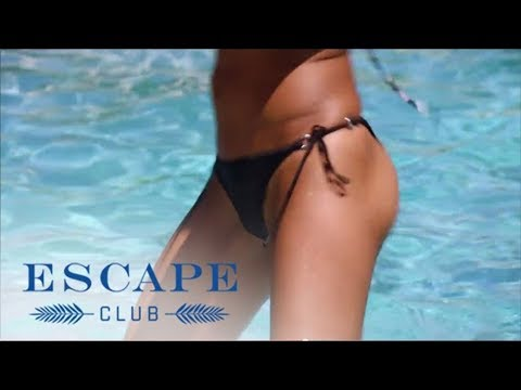Elly Gets Dirty During Aerobics Class | Escape Club | E!