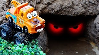 Lightning McQueen Tayo the Little Bus There is Crocodile in the cave ! #MKTDKIDS