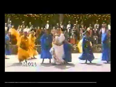 YouTube - Yeh Chand Koi Deewana Hai - Chhupa Rustam - manojphulwaria...