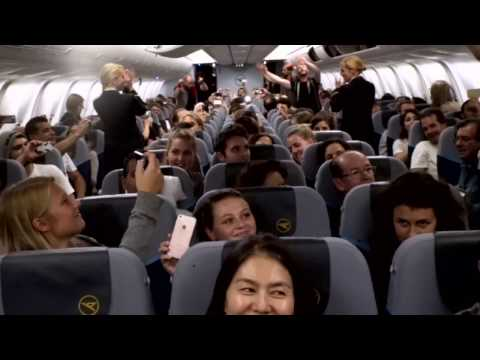 Download Lagu voXXclub Flashmob an Bord von Condor MP3 Free