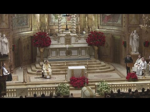 Governor Cuomo gives eulogy at father's service