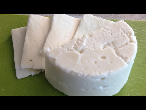 Сыр адыгейский домашний. Сыр из молока и сыворотки.