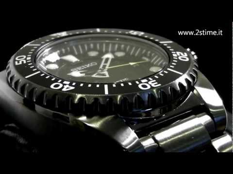 2S Time : SEIKO SKA427P1 Kinetic Diver's Ion Plated Watch 200m