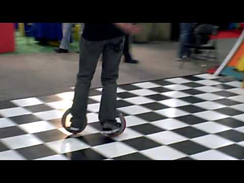 Toy Fair 2009: Hands-On With Orbitwheel Skates
