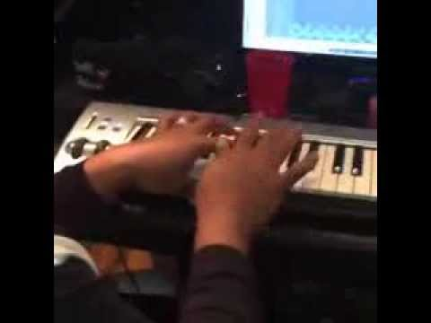 Video: Timbaland In The Studio Making A Beat With DJ Khaled