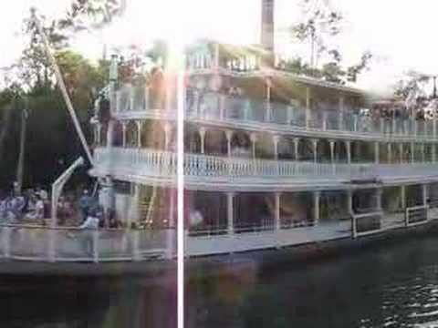 Magic Kingdom - Steam Boat Paddle Wheel