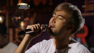 download lagu Vidi Aldiano  - Definisi Bahagia Live At Breakout gratis