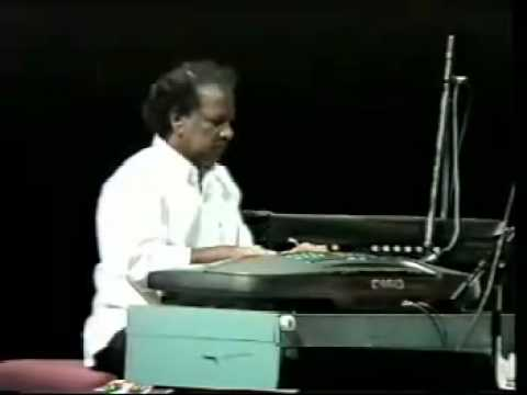 Iraivanidam Kai- Nagoor E.m.hanifa Tamil Muslim Song.mp4 video