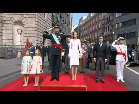 Spain's new king Felipe VI is sworn in as monarch in Madrid