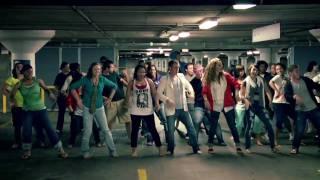 """Jai Ho"" in Chicago (the Slumdog Millionaire Dance)"