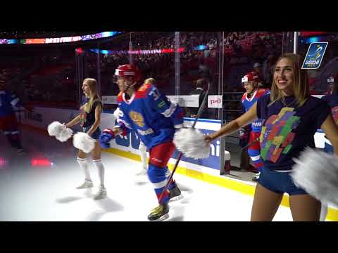 Группа поддержки Sochi Queens встречает игроков на льду