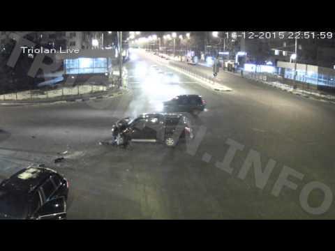 ДТП на перекрестке пр. Науки — ул. Отакара Яроша (16-12-2015)