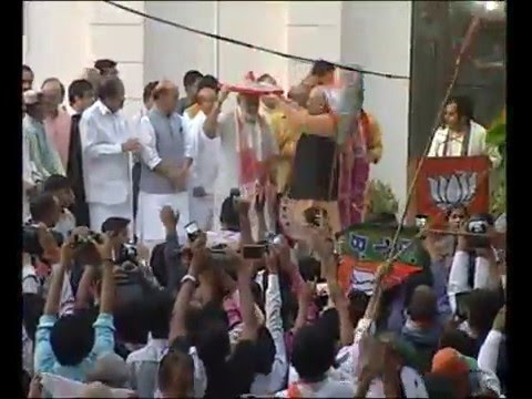 PM Modi addresses BJP Party Workers on successful win in 2016 Assam Elections