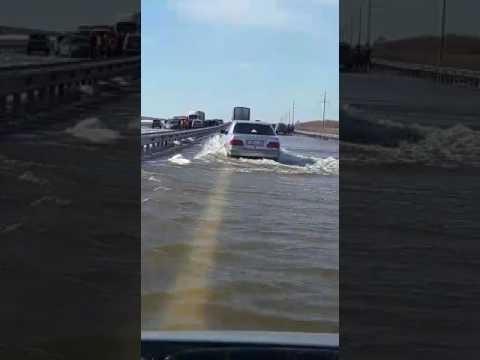 Трасса Караганда-Астана подтоплена паводками. 14.04.17