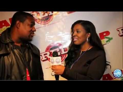 Will Traxx (Foot work) chop it up w/ DeeMizzunderstood,host of WHIHH.tv at Guard Ur Grill release