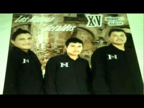 Algo Esta Cayendo Aqui Los Nuevos Heraldos Musica Cristiana video